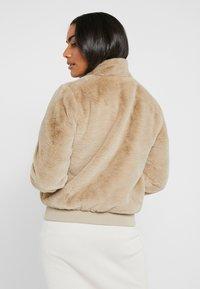 ONLY Petite - ONLAURA PETIT  - Zimní bunda - beige - 2