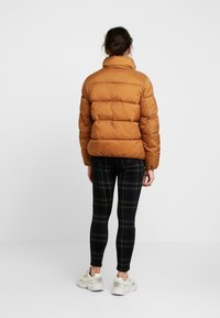 ONLY Petite - ONLNINA QUILTED JACKET - Talvitakki - toasted coconut - 2
