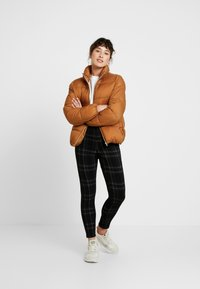 ONLY Petite - ONLNINA QUILTED JACKET - Talvitakki - toasted coconut - 1