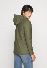 ONLY Petite - ONLTRAIN SHORT RAINCOAT - Parka - kalamata - 2
