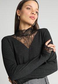 ONLY Petite - ONLWILMA MIX HIGHNECK  - Maglietta a manica lunga - dark grey melange - 3