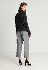 ONLY Petite - ONLWILMA MIX HIGHNECK  - Maglietta a manica lunga - dark grey melange - 2