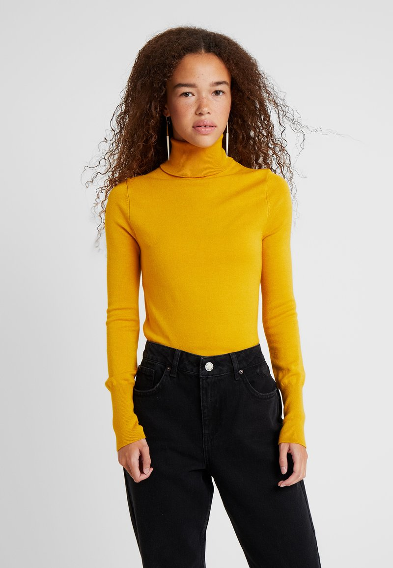 ONLY Petite - ONLVENICE ROLLNECK PULLOVER - Strickpullover - golden yellow