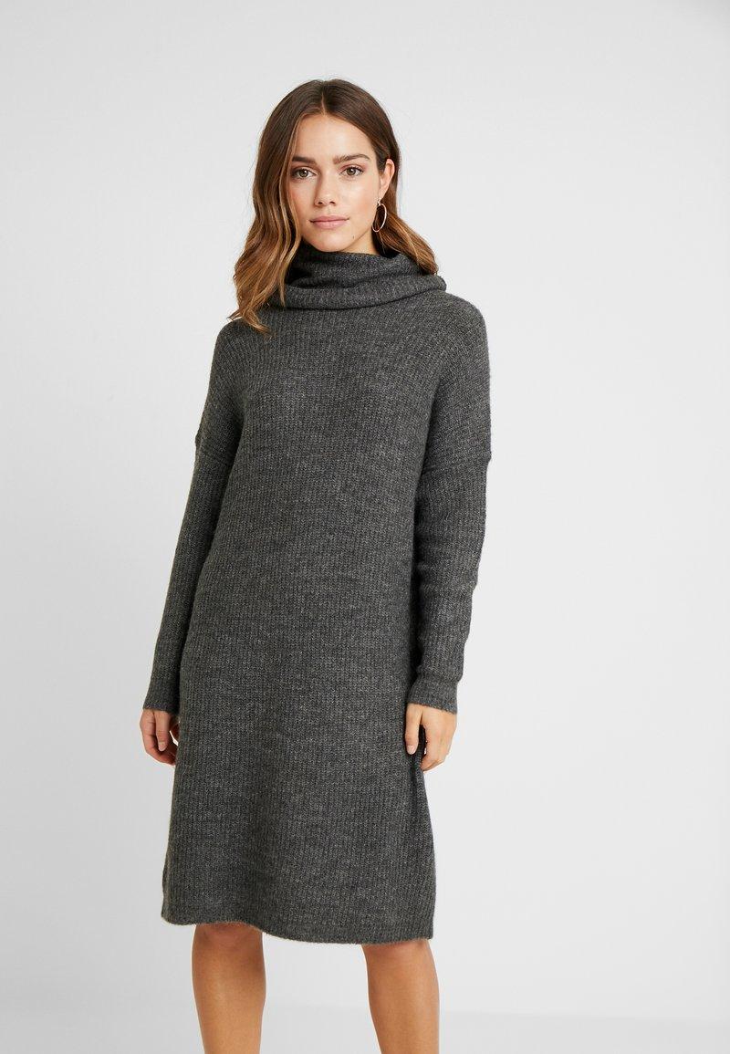 ONLY Petite - ONLMIRNA ROLLNECK DRESS - Strikket kjole - dark grey melange