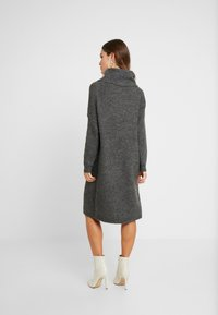 ONLY Petite - ONLMIRNA ROLLNECK DRESS - Strikket kjole - dark grey melange - 2