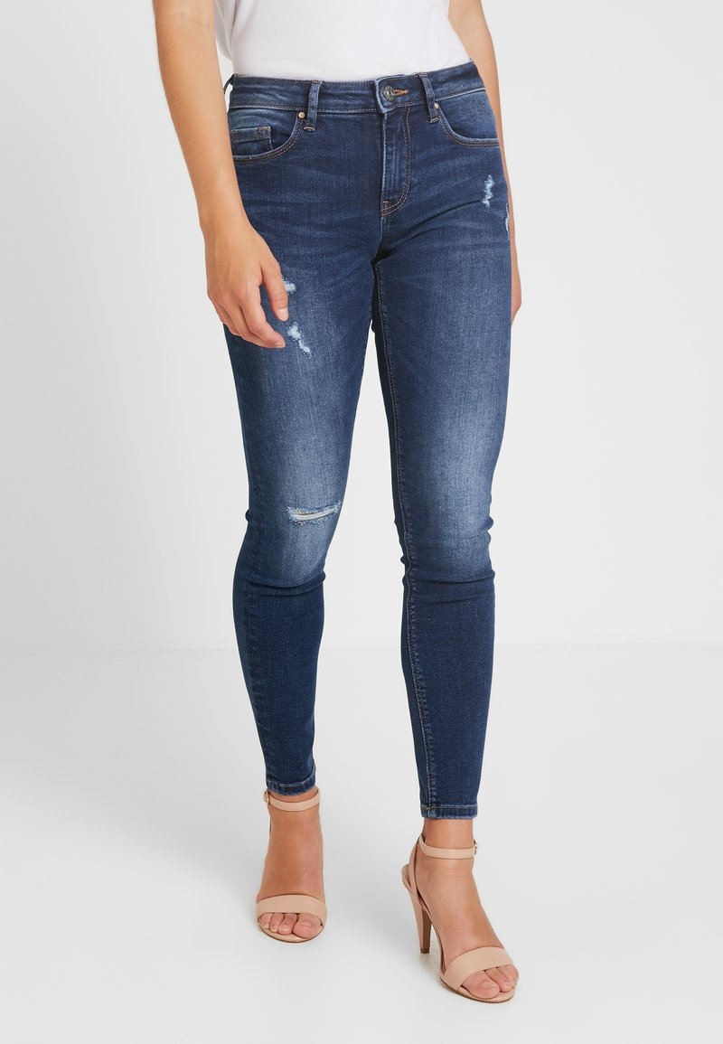 ONLY Petite - ONLFCARMEN REG SK DES JEAN SOO3550 - Jeans Skinny Fit - medium blue denim