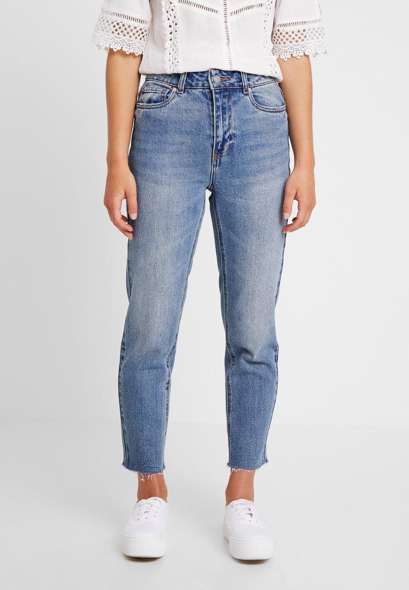 ONLY Petite - ONLEMILY STRAIGHT ANKLE - Straight leg jeans - medium blue denim