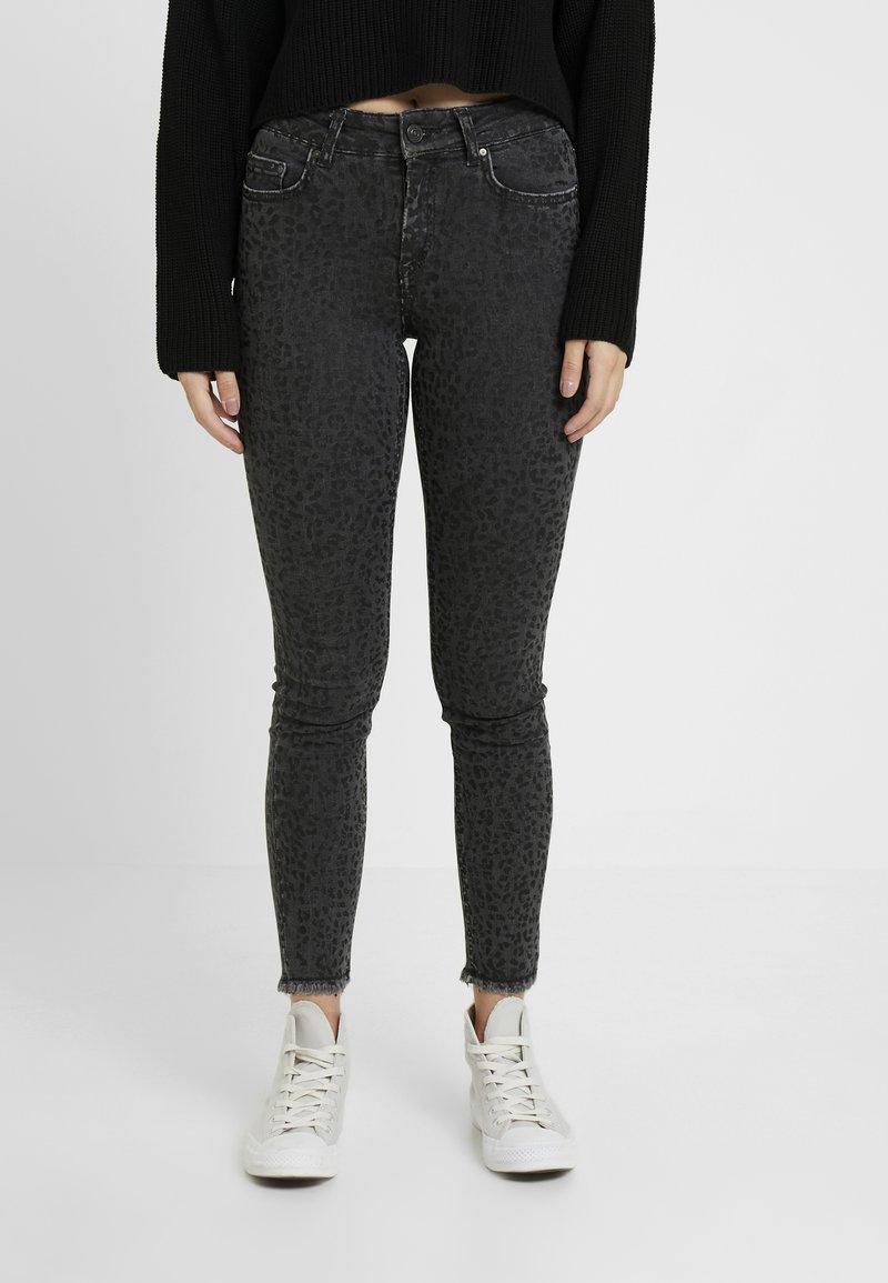 ONLY Petite - ONLBLUSH MID LEO - Jeans Skinny Fit - black