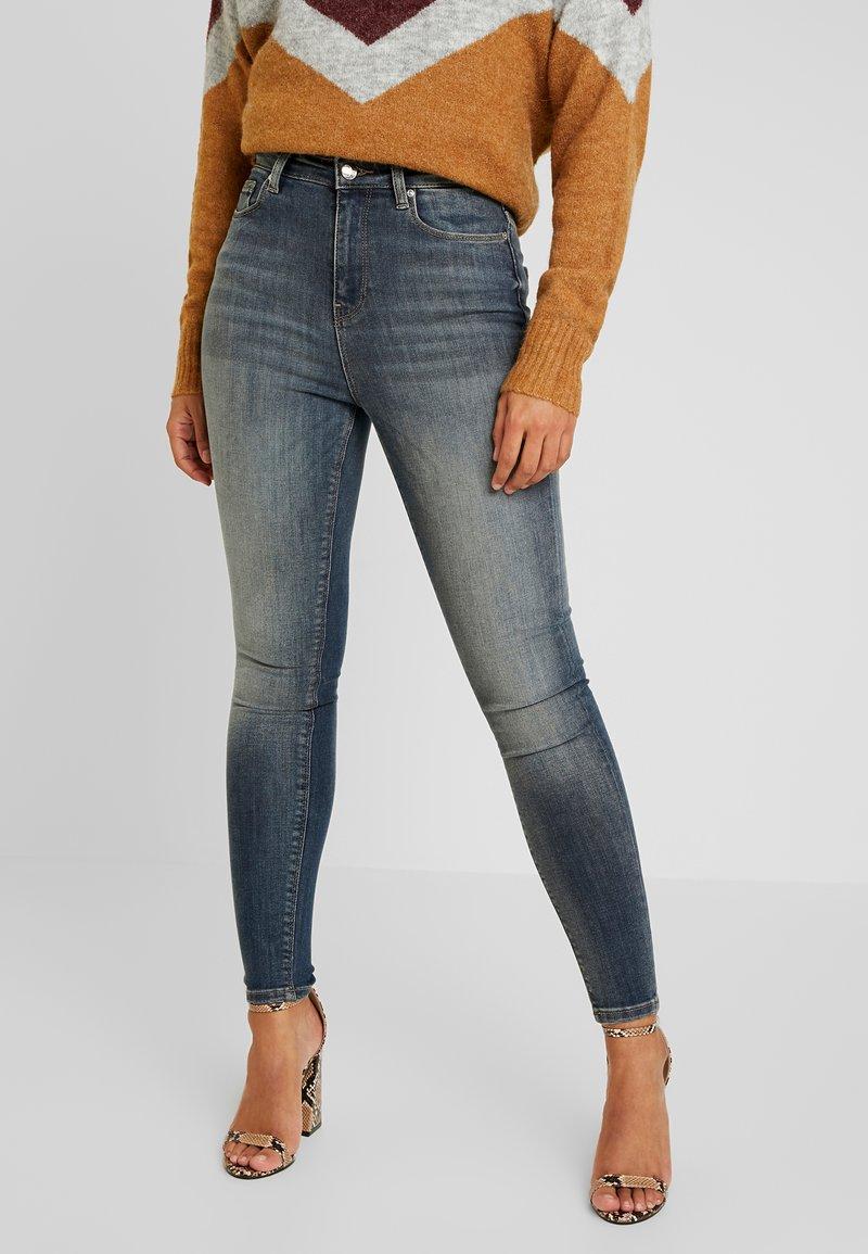 ONLY Petite - ONQPOSH - Jeans Skinny Fit - medium blue denim