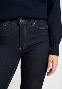 ONLY Petite - ONLSIENNA - Jeans Slim Fit - dark blue denim - 5