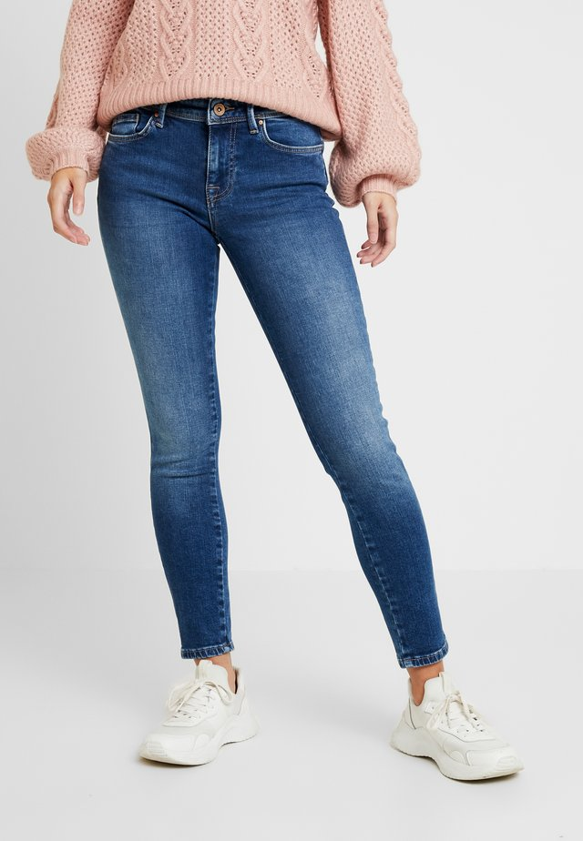 ONLCARMEN - Jeansy Skinny Fit - medium blue denim
