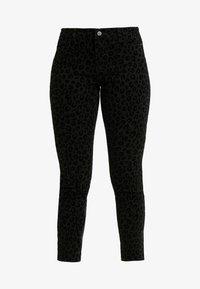 ONLY Petite - ONYCARMEN ANKLE FLOCK - Jeans Skinny - black - 4