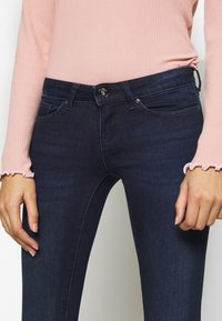 ONLY Petite - ONLCORAL LIFE - Jeans Skinny Fit - dark blue denim - 4