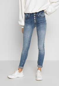 ONLY Petite - ONLBLUSH BUTTON - Jeans Skinny Fit - medium blue denim - 0