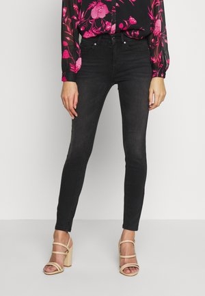 ONLBLUSH - Vaqueros pitillo - black denim