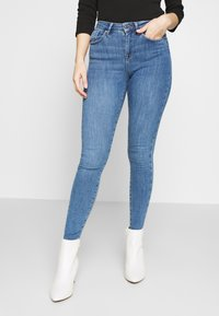 ONLY Petite - ONLPOWER MID PUSH UP - Jeans Skinny Fit - medium blue denim - 0