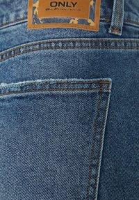 ONLY Petite - ONLEMILY  - Jeans straight leg - medium-blue denim - 2