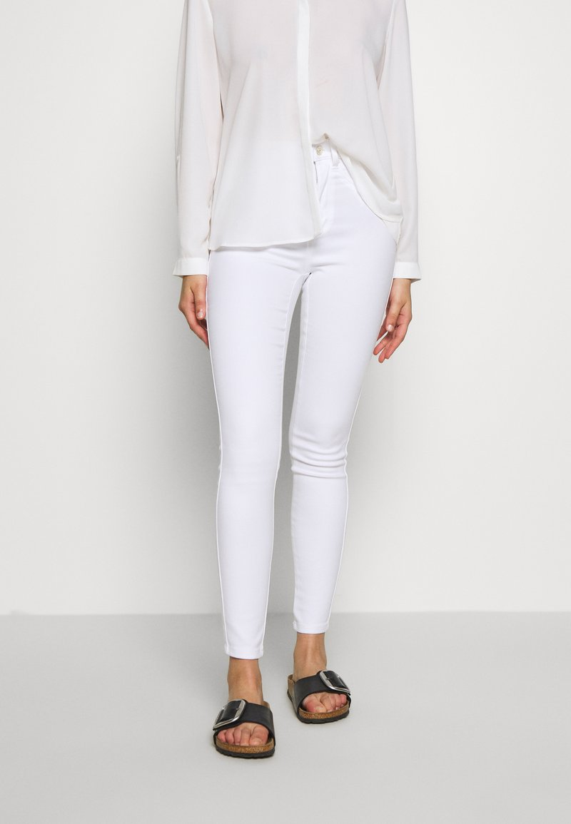 ONLY Petite - ONLROYAL - Jeans Skinny Fit - white