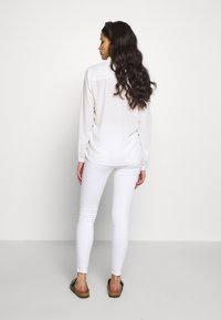 ONLY Petite - ONLROYAL - Jeans Skinny Fit - white - 2