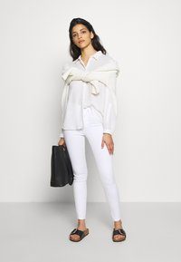 ONLY Petite - ONLROYAL - Jeans Skinny Fit - white - 1