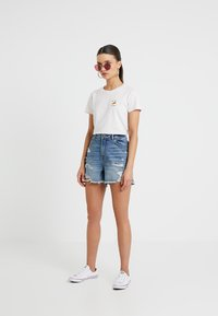 ONLY Petite - ONLKELLY - Shortsit - medium blue denim - 1