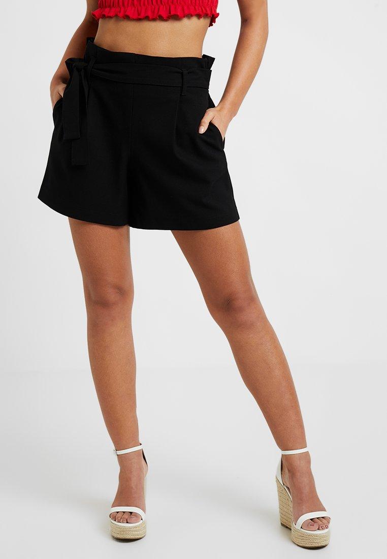 ONLY Petite - ONLNICOLE ELASTIC PAPERBACK - Shorts - black