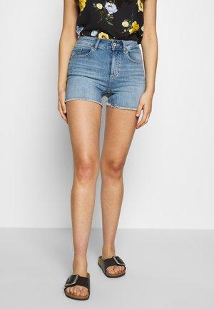 ONLBLUSH MID RAW - Shorts di jeans - light blue denim