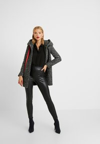 ONLY Petite - ONLSEDONA COAT - Cappotto corto - dark grey melange - 1