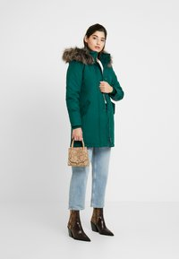 ONLY Petite - ONLKATY COAT - Parka - forest biome - 1