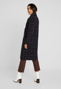 ONLY Petite - ONLNEW LOUISIANNA CHECK COAT - Classic coat - night sky - 2