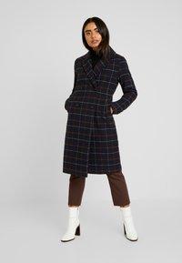 ONLY Petite - ONLNEW LOUISIANNA CHECK COAT - Classic coat - night sky - 0