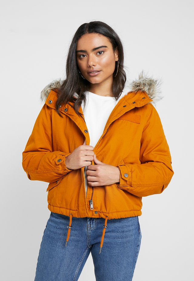 ONLOREO SHORT - Light jacket - pumpkin spice