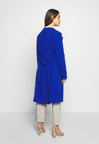 ONLY Petite - ONLUNNA DRAPY - Trenchcoat - mazarine blue - 2