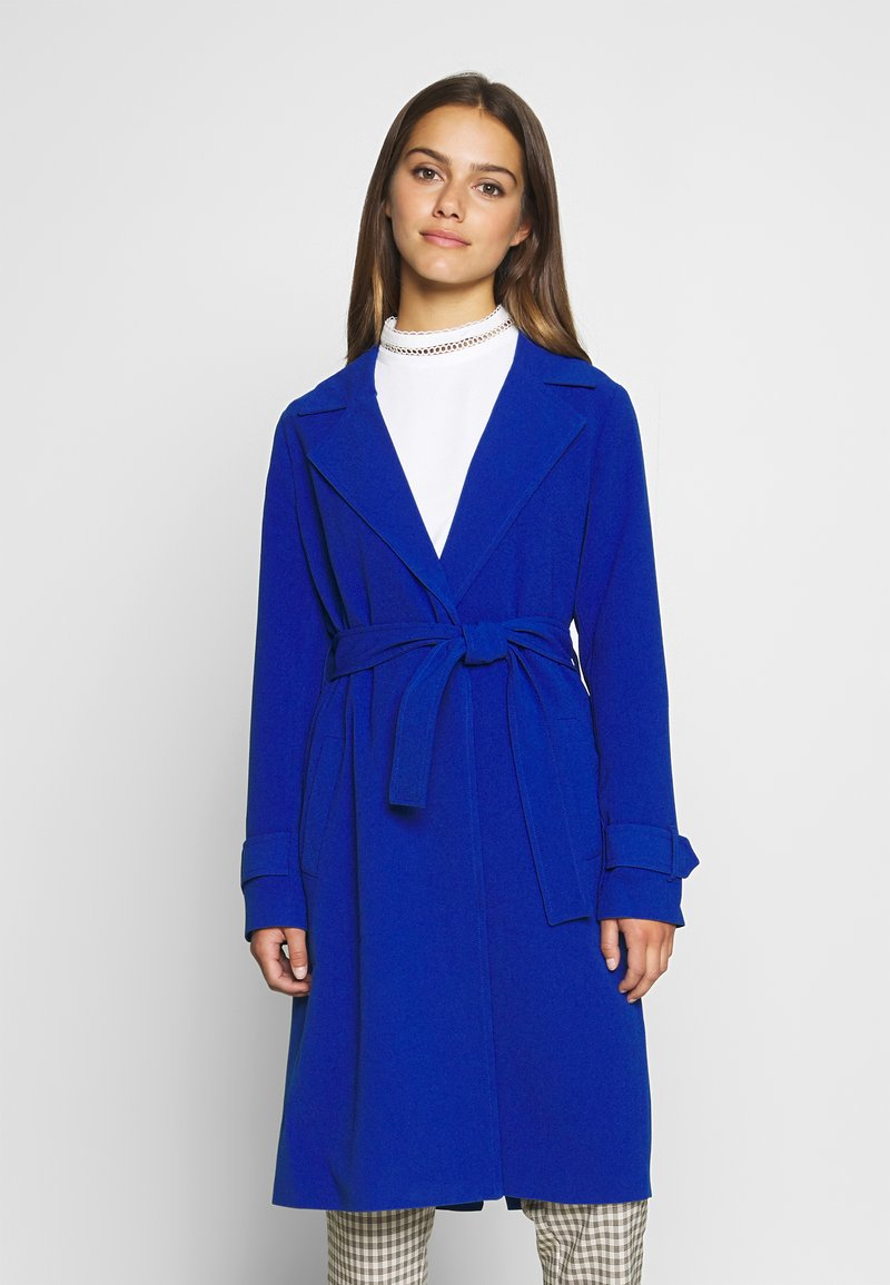 ONLY Petite - ONLUNNA DRAPY - Trenchcoat - mazarine blue