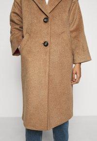ONLY Petite - ONLVAL 7/8 SLEEVE COAT PETIT - Klasický kabát - toasted coconut - 6