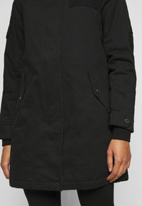 ONLY Petite - ONLMAY LIFE - Parka - black - 6