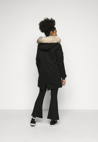 ONLY Petite - ONLMAY LIFE - Parka - black - 2