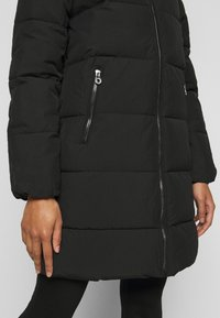 ONLY Petite - ONLDOLLY LONG PUFFER COAT - Vinterkåpe / -frakk - black - 5