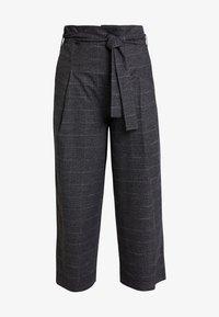 Marc O'Polo DENIM - PAPER BAG WAISTBAND BELT - Pantalones - check grey - 4