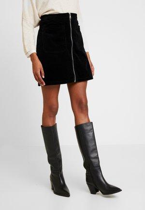 SKIRT FLAP POCKETS ZIPPER AT FRONT - A-line skirt - black