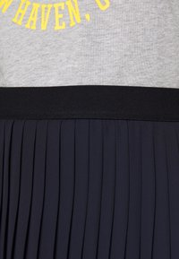 Marc O'Polo DENIM - SKIRT PLISSEE - A-line skirt - scandinavian blue - 5