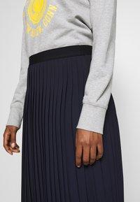 Marc O'Polo DENIM - SKIRT PLISSEE - A-line skirt - scandinavian blue - 3