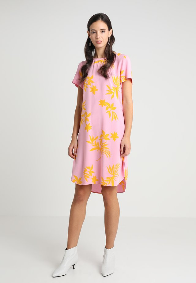 Korte jurk - woven combo