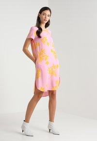 Marc O'Polo DENIM - Denní šaty - woven combo - 1