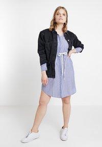Marc O'Polo DENIM - DRESS STYLE - Košilové šaty - blue/white - 2