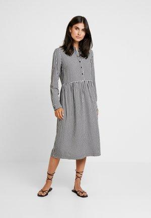 DRESS - Skjortekjole - white/dark blue