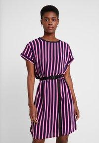 Marc O'Polo DENIM - DRESS SHORT SLEEVE - Day dress - blue/pink - 0