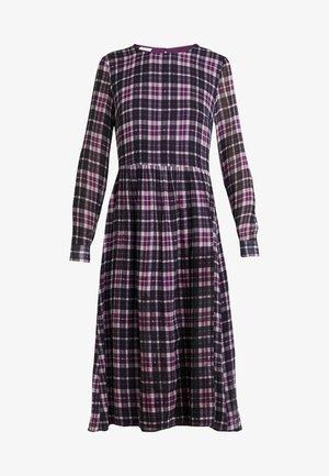 LONGSLEEVE  - Denní šaty - pink/black