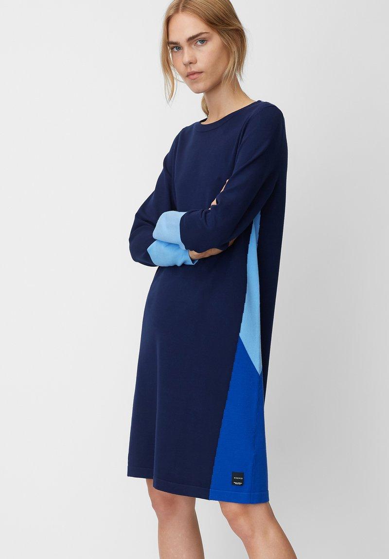 Marc O'Polo DENIM - Strickkleid - blue