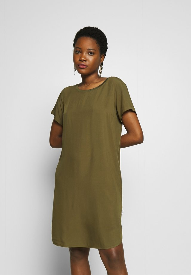 DRESS - Korte jurk - summer olive